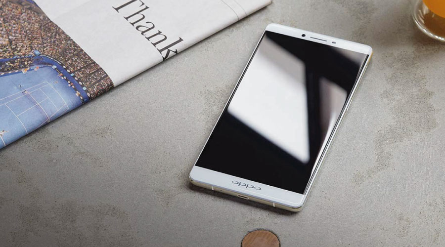 Oppo R7 Plus có thiết kế nguyên khối chắc chắn